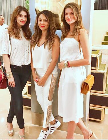 Gauri Khan beautiful Fashion
