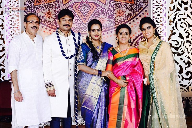 Keerthy Suresh Family Details