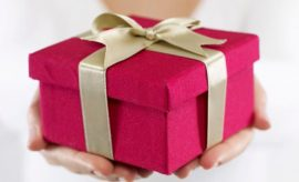 Give gifts to teenage girl