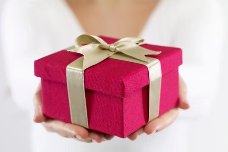Give gifts to teenage girls