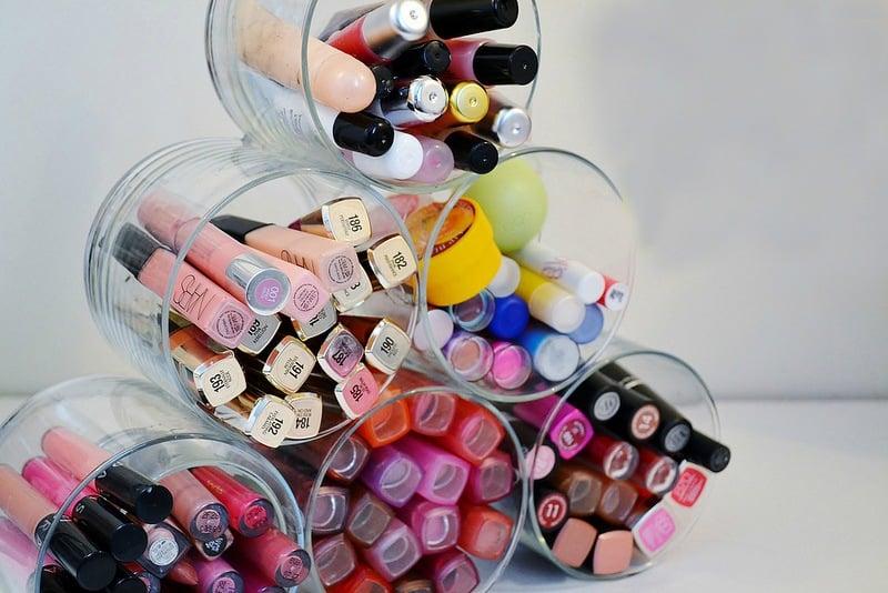 DIY Lipstick Organizer