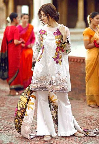 How To Style Pakistani Designer Kurtis