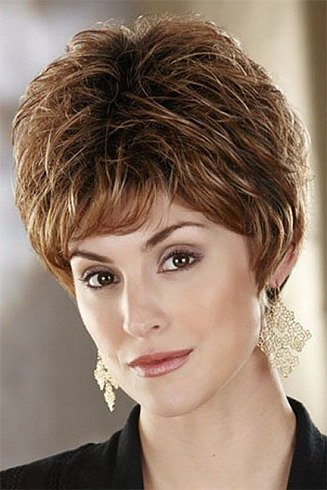 Mixed Layered Short Hairstyle With Feather Cut
