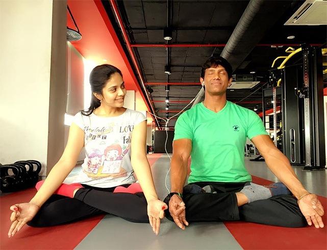 Sreemukhi body fitness