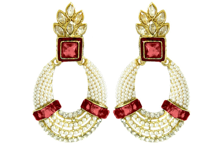 Peora Gold Plated Pearl Earrings