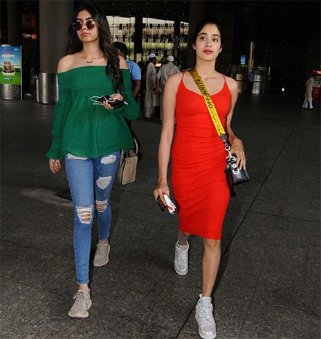 Jhanvi Kapoor and Khushi Kapoor At Airport