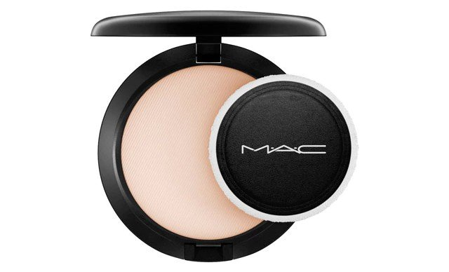 M A C Blot Powder