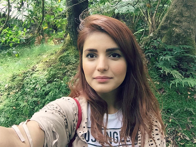 Momina Mustehsan without Makeup