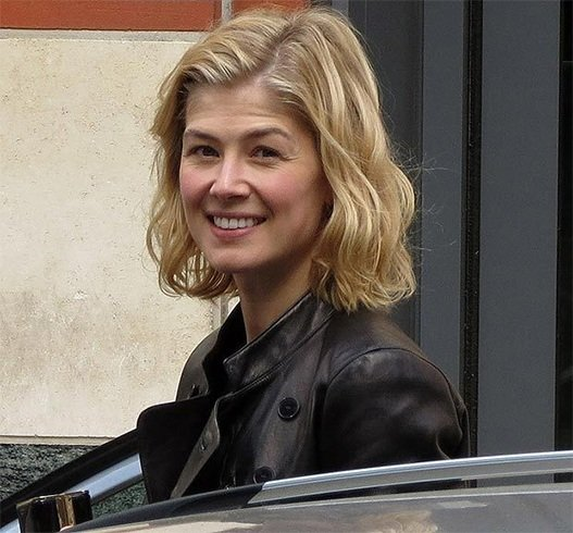 Rosamund Pike Without Makeup