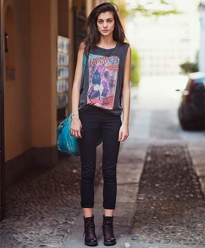 combat boots with Jeans