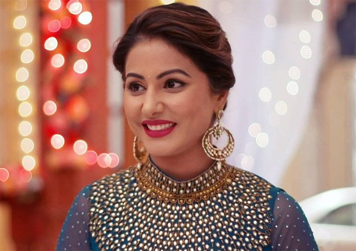 Hina Khan Red Carpet Glam