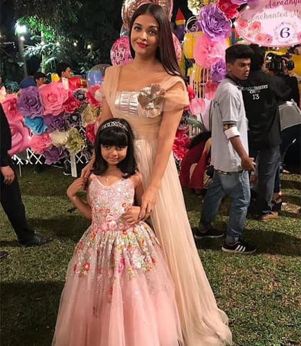 Aishwarya Rai and Aaradhya MAtching Dress