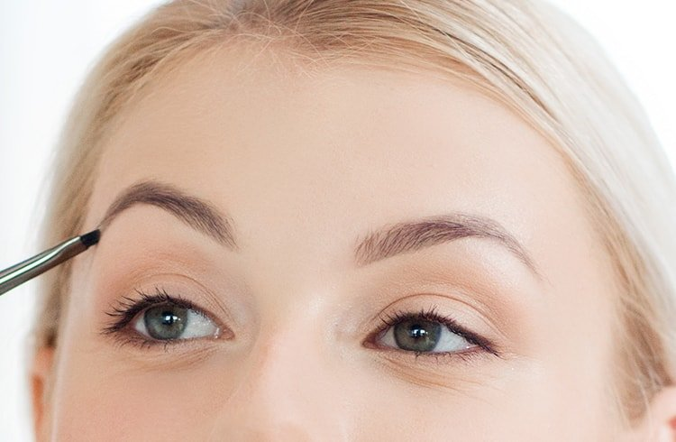 Shape The Eyebrows Right