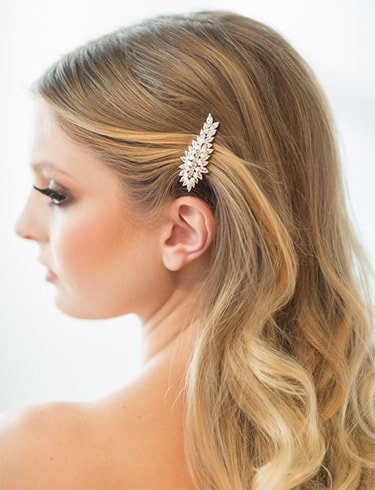Dreamy Waves with Vintage Hair Clip