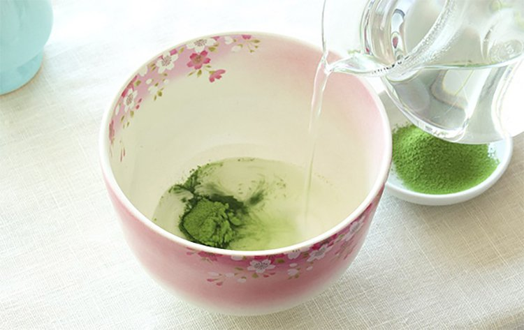 Making Matcha Green Tea Step by Step