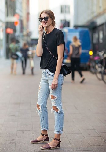 Wear boyfriend jeans in summer