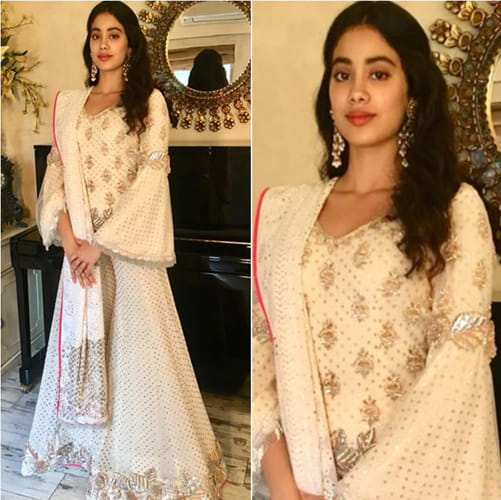 Janhvi Kapoor in Sonam's Mehendi Celebrations