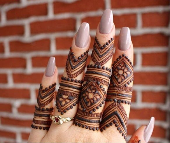Ethnic Mehndi for Fingers