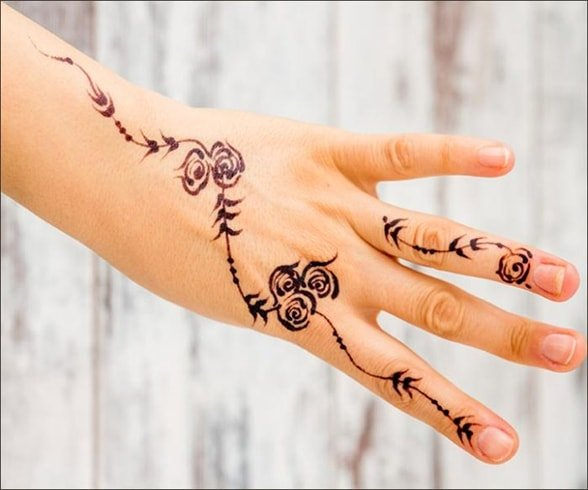 Rose Mehndi for Fingers