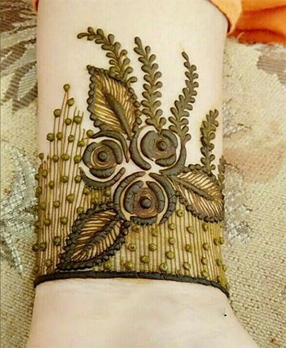 Cuff Rose Mehndi Design For Eid