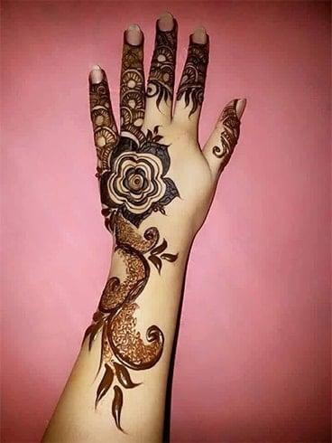 Top Rose Mehndi Designs, die Cynosure aller Augen sein!