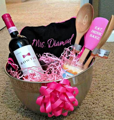 Ideas To Surprise Your Bridesmaids: Best Bridal Shower Gifts To Surprise The To-Be Brides