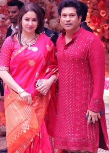 Anjali Tendulkar In a traditional look