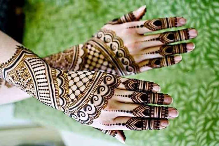 Full Back Hand Mehndi Fashion