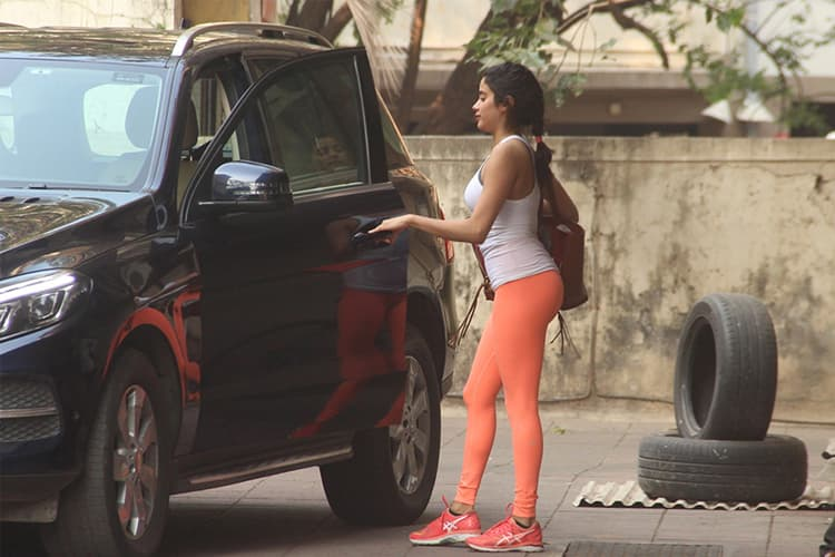Jahnvi Kapoor In Orange Tights
