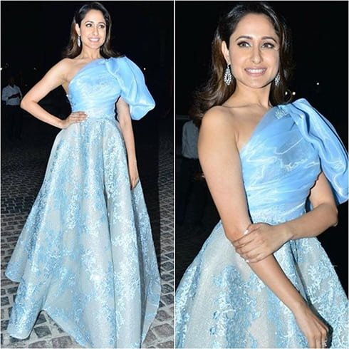Pragya Jaiswal at Jio Filmfare 2018 Awards