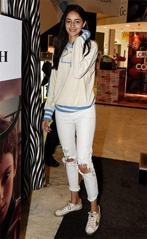 Ananya Pandey in Sweatshirts