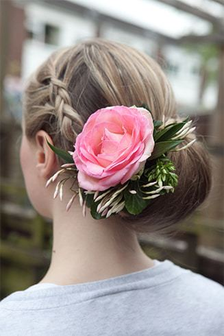 Hairstyles With a Flower