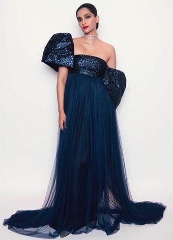 Sonam Kapoor in Sophie-et Voila Outfit