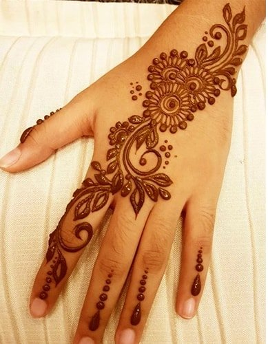 Diagonal Mehndi Designs