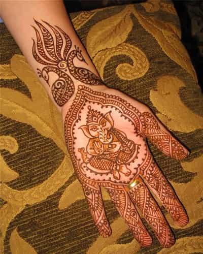 Divine Gujarati Mehndi Designs