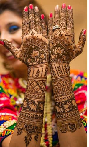 Full Hand Gujarati Mehndi Designs