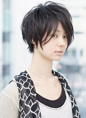 Short Asian Hairstyle for Women