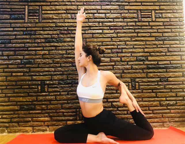 Vaani Kapoor Yoga Pose