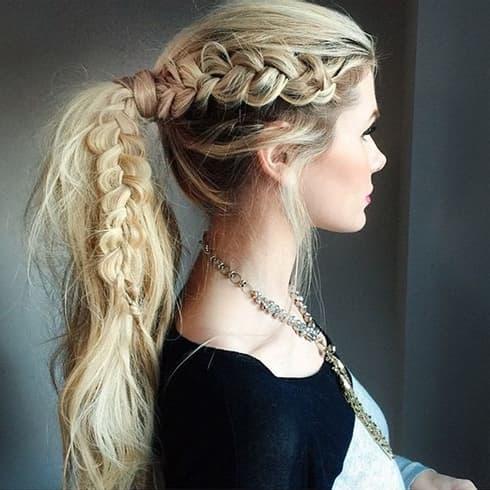 15 griechische Frisuren, die du heute versuchen musst, um deine innere Göttin zu kanalisieren!