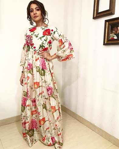 Anushka Sharma in Pero Maxi