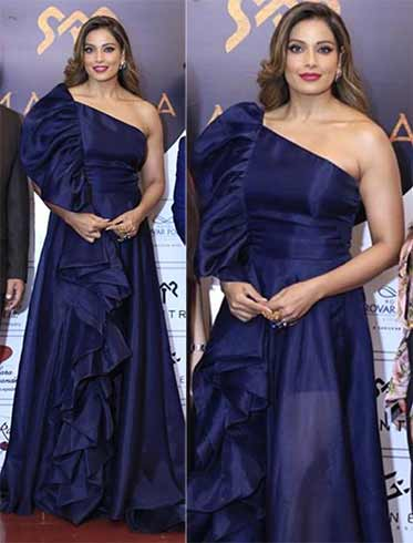 Bipasha Basu in Gauri and Nainika Dress