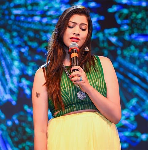 Geetha Madhuri Singing