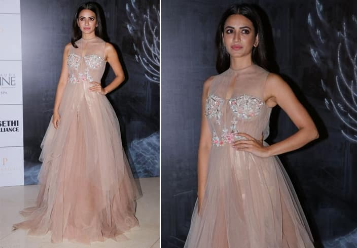 Kriti Kharbanda Manish Couture Show