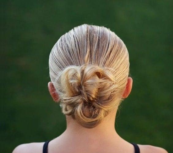15 sportliche Frisuren, die dich hervorstechen lassen!