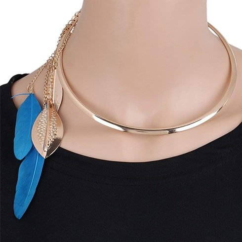 Metal Choker With Feathers