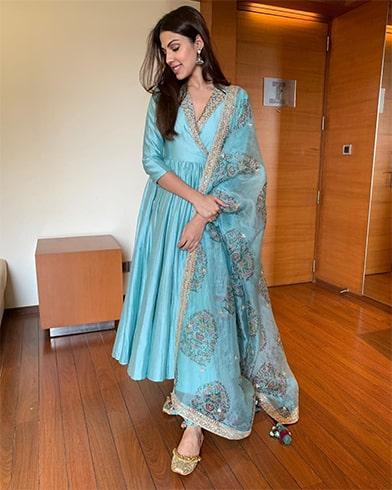 Rhea Chakraborty Punit Balana Outfit
