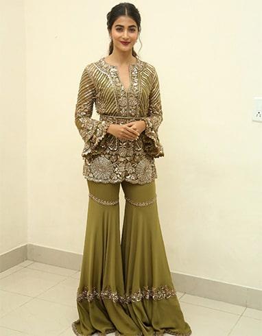 Pooja Hegde Manish Malhotra outfit
