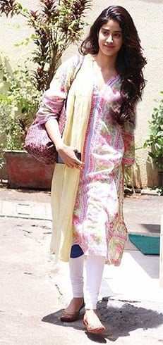 Janhvi Kapoor Snapped