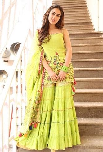 Sara Ali Khan Sukriti and Aakriti Outfit