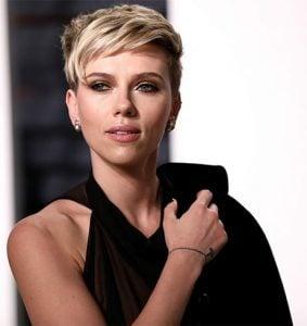 Scarlett Johansson Fashion Profile Is A Picture Of Refinement